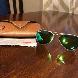 RayBan aviators - green lens